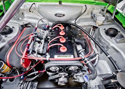 photo moteur Ford BDG installé dans le compartiment moteur d'une Ford RS 2000