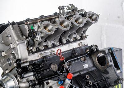 Détail moteur BMW S14 M3 E30 by LORRTEC : papillons et injection