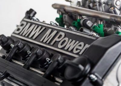 détail moteur BMW S14 couvre culasse
