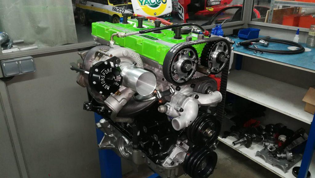 moteur Escort Cosworth prêt à livrer