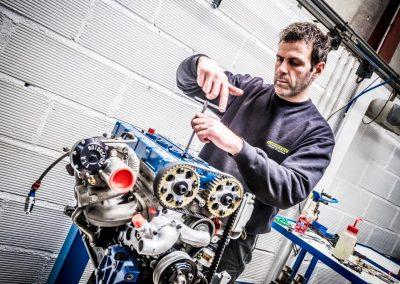 moteur Ford Cosworth fin de montage