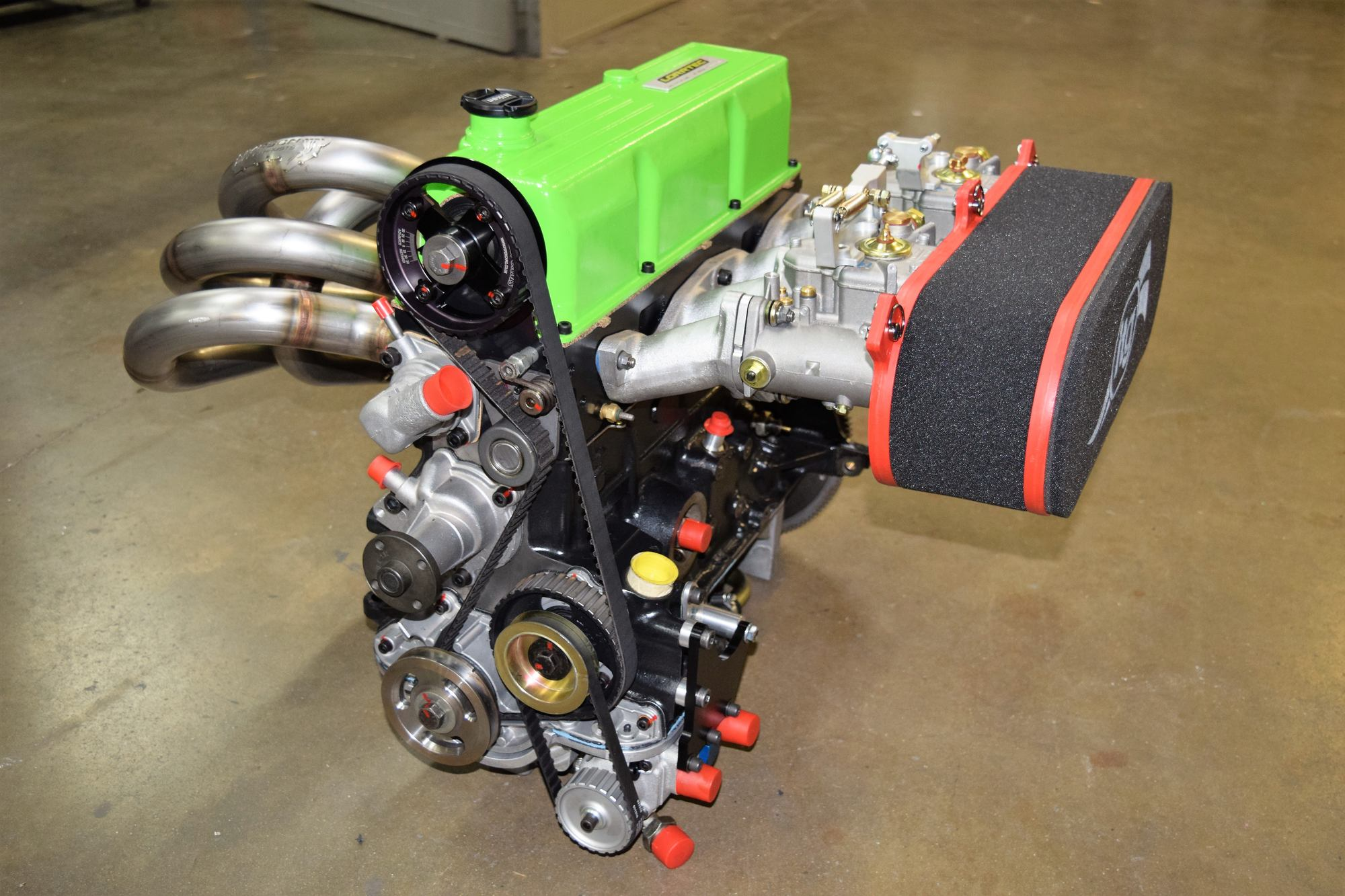 moteur Ford Pinto distribution et carburateurs Weber et échappement 4 en 1