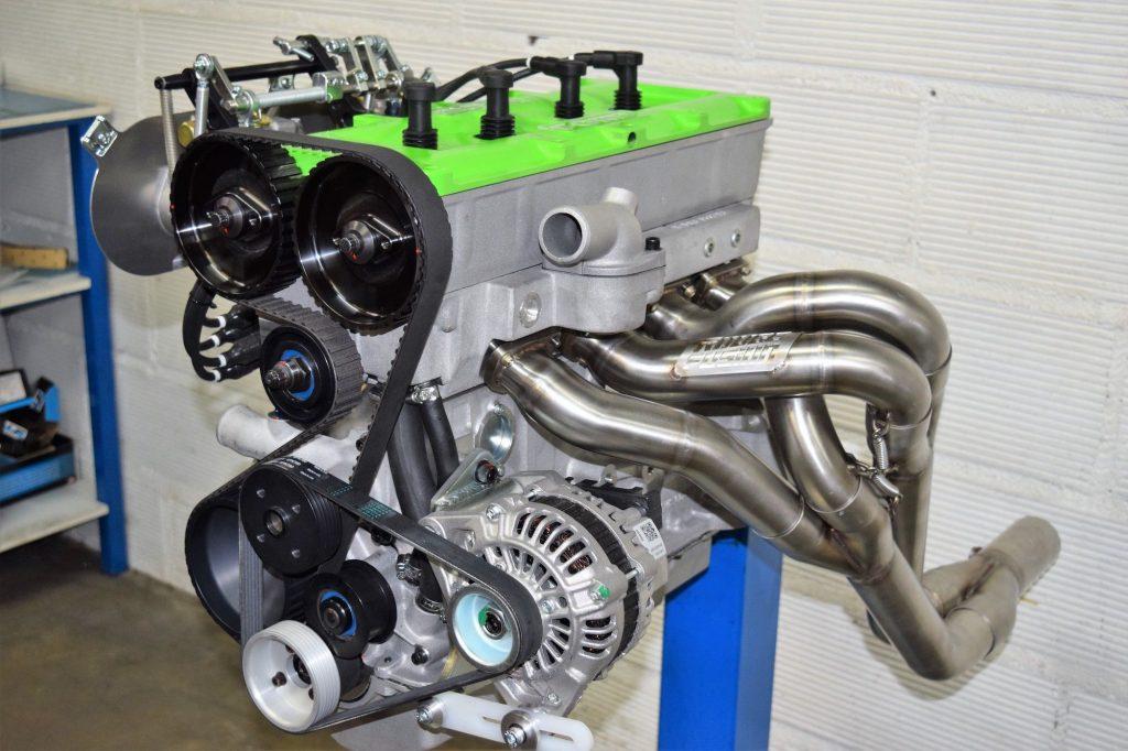 photo-echappement-moteur-ford-cosworth-BDG