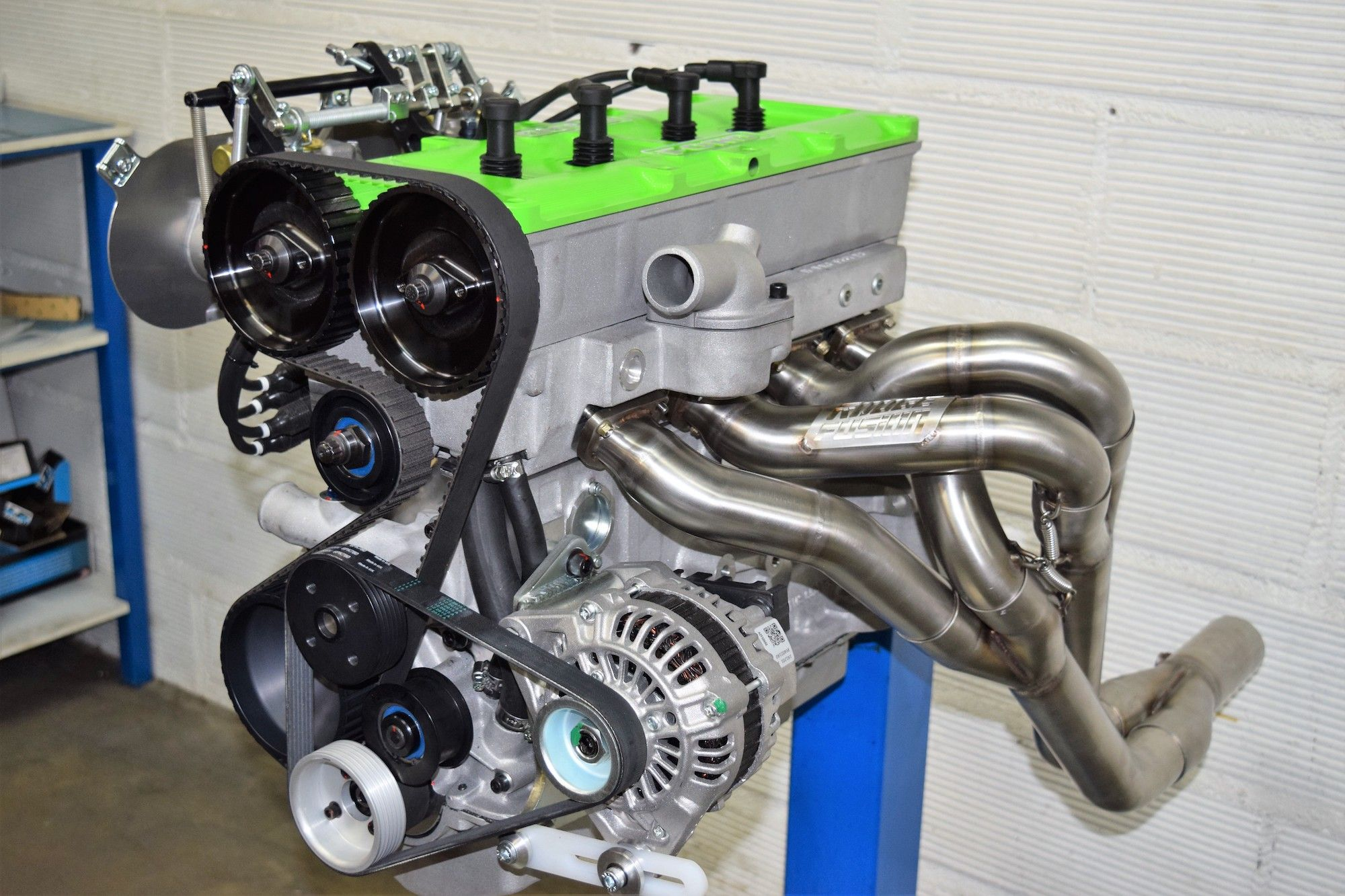 photo-echappement-moteur-ford-cosworth-BDG
